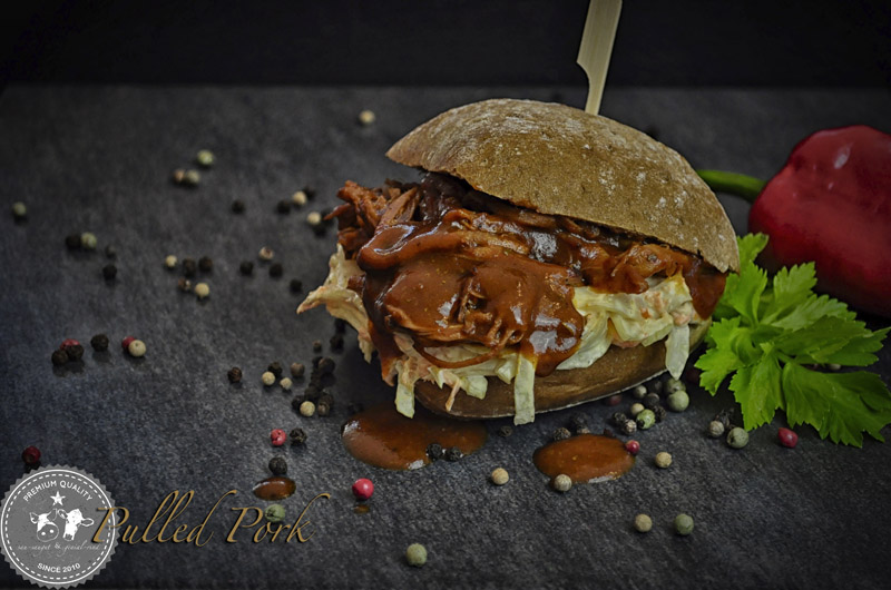 Burger mit Pulled Pork BBQ Classic